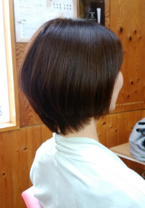 艶髪ショートカット