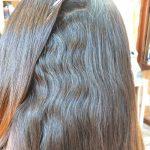 強い波状毛の癖毛
